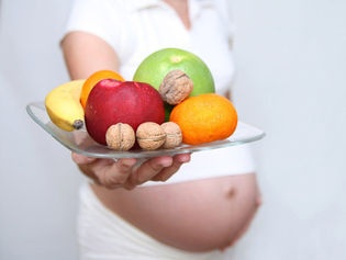 GROSSESSE: JE MANGE QUOI PENDANT LES FÊTES ?  http://www.topsante.com/ma-vie-de-maman/etre-enceinte/Grossesse-je-mange-quoi-pendant-les-fetes