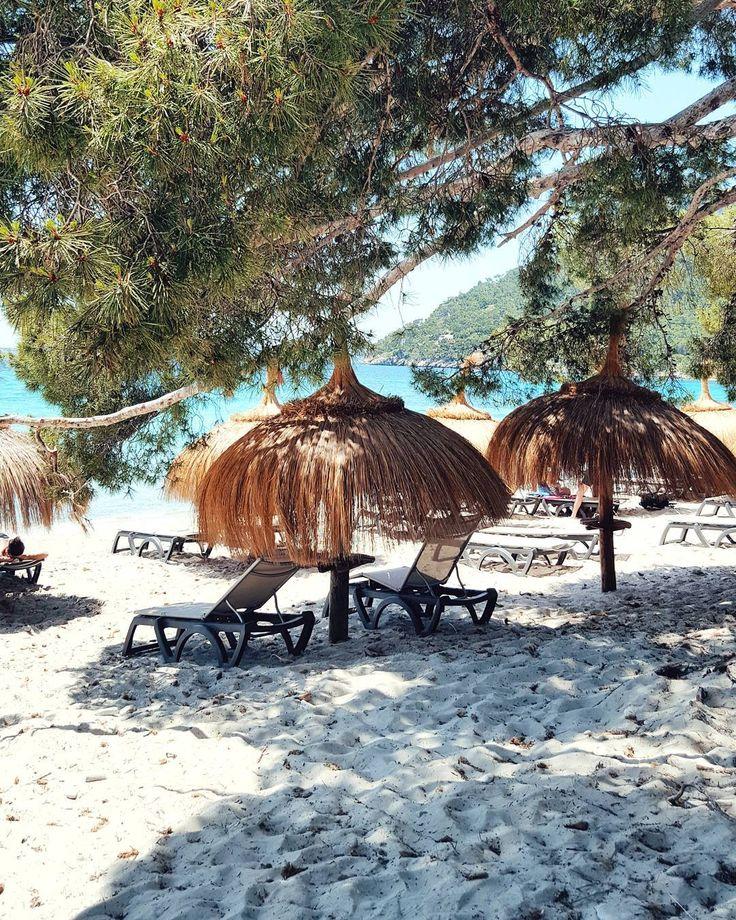Fridays are for beach lovers! mallorcamomente mallorca beach formentor summerhel…