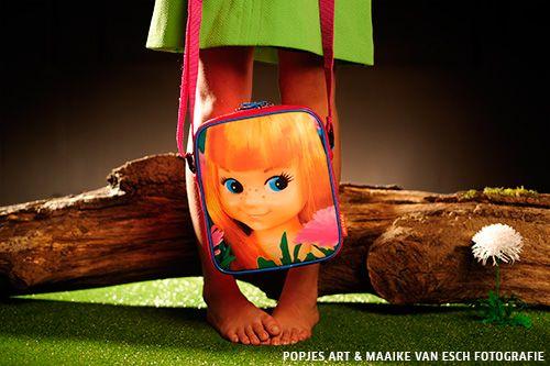 Popjes Art schoudertas ''Anne'' klein. www.popjesart.nl  Fotografie: Maaike van Esch | Styling: Karen Saaman.