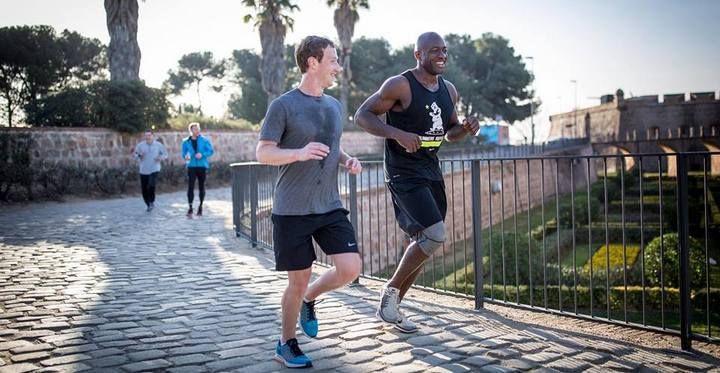 Mark Zuckerberg mantiene la promessa, e continua a correre