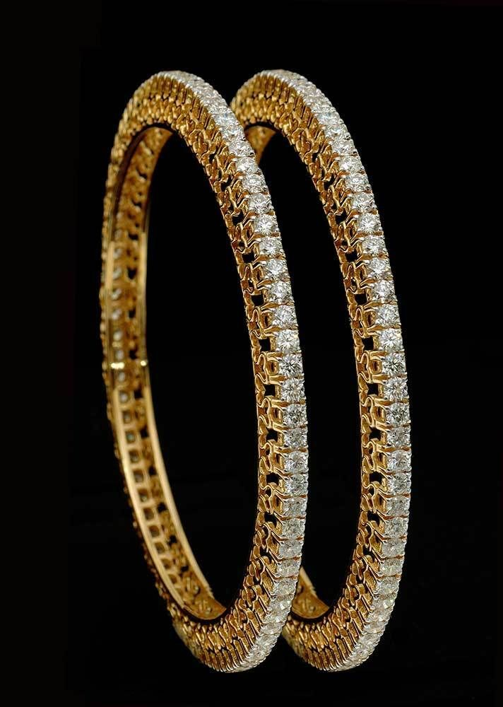 Evergreen Single Line Party / Wedding Bangles Pair in 18k Gold with Real Diamond #SitaramHanumandas #Bangle
