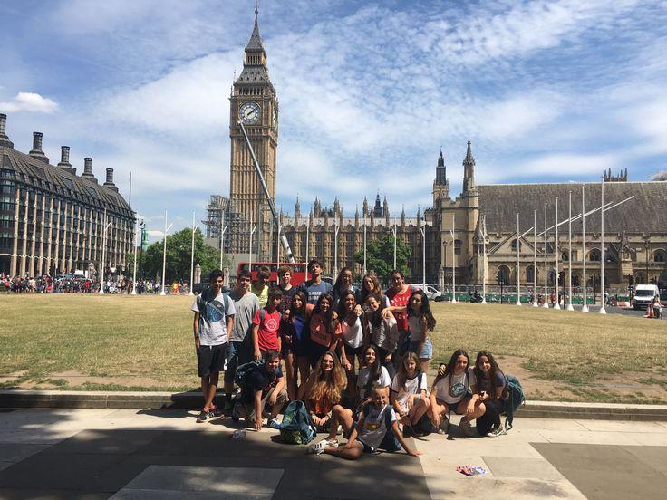 Big Ben- London                           Haileybury college: Uno de los colegios más prestigiosos y bonitos de inglaterra. Un programa donde visitarás varias veces Londres.       Haileybury ofrece un entorno estimulante para sus estudiantes a la hora de imponerles desafíos y hacer que descubran su identidad para que se desarrollen como adultos seguros y generosos      #WeLoveBS #inglés #idiomas #Haileybury #ReinoUnido #RegneUnit #UK #Inglaterra #Anglaterra #HarryPotter #SummerCamp