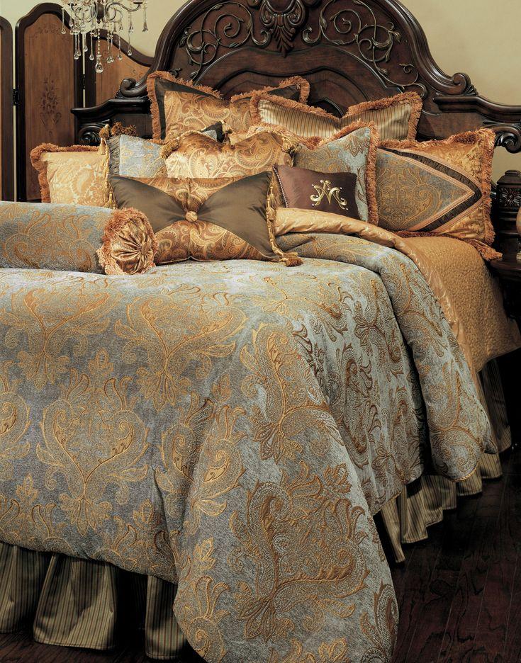 Elizabeth Thirteen piece King Comforter Set (Aqua