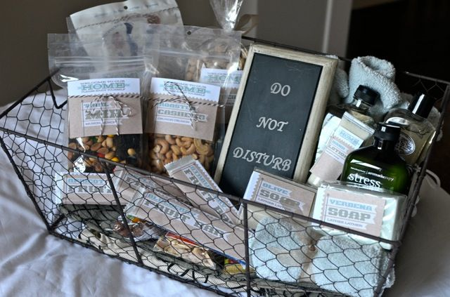 Be our guest! Fun ideas for Guest baskets | Jenallyson - The Project Girl - Fun Easy Craft Projects including Home Improvement and Decorating - For Women and Moms