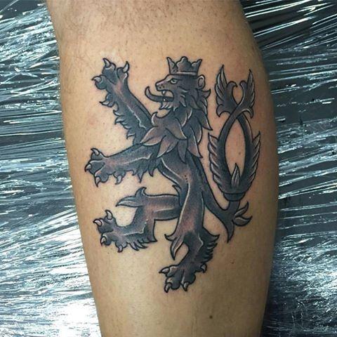 CZECH LION BY BORIS WES tattoo#czech #lion #tattoo #czechlion #prague #praha #tattooinprague #tsunamitattoopraha #tsunamitattooprague #neotraditional #neotradsub #oldschooltattoos #oldschool #fun #tattoolife #tetovani #tater #tattooer #tattoolife #newink #inked #praguetattoo #traditionaltattoos #brightandbold #blackandgray #pirattattoomachines — v Tattoo Tsunami