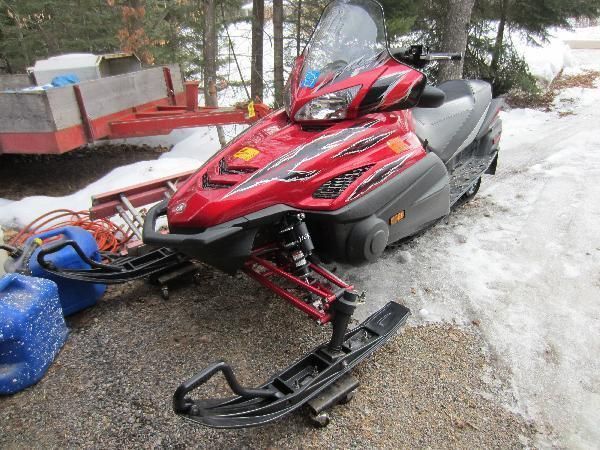 2006 Yamaha Genesis Extreme 900 CC Four Stroke Snowmobile available by online bidding ending 3/23/17. Find Out More & Bid at http://hansenandyoung.com/?utm_source=Pinterest&utm_campaign=20170323LAKEWOOD&utm_medium=Post#/sales/78127/lots/16768024