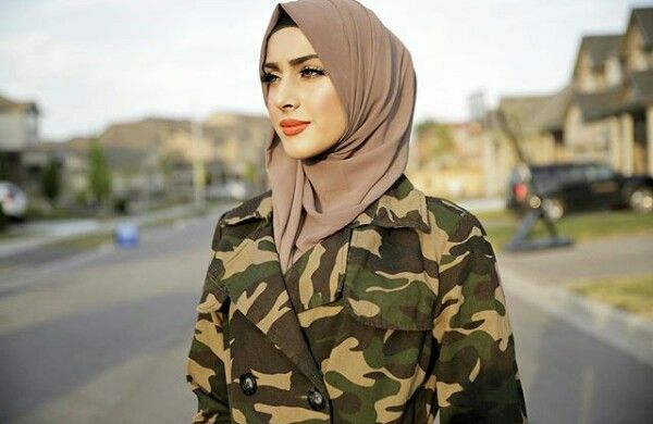 Queen Froggy Muslim Outfits Hijabi Outfits Muslim Fashion