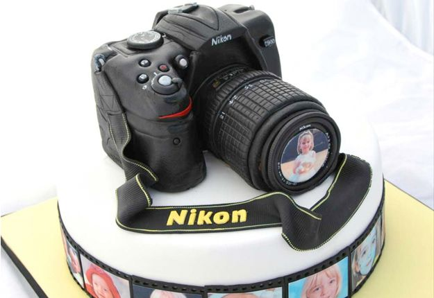 Camera cake, Top 20 amazing birthday cake ideas! http://www.mouthsofmums.com.au/amazing-birthday-cake-ideas/