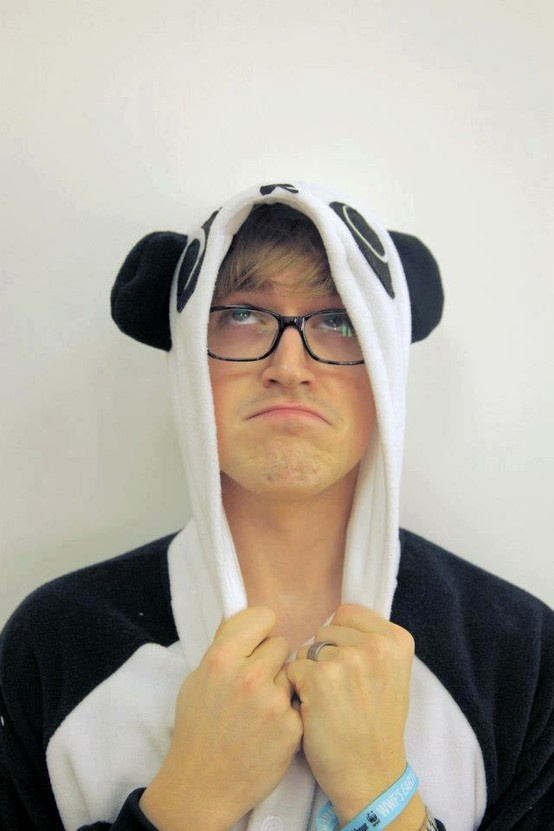 Tom Fletcher <3 - best thing is i have the same onezie