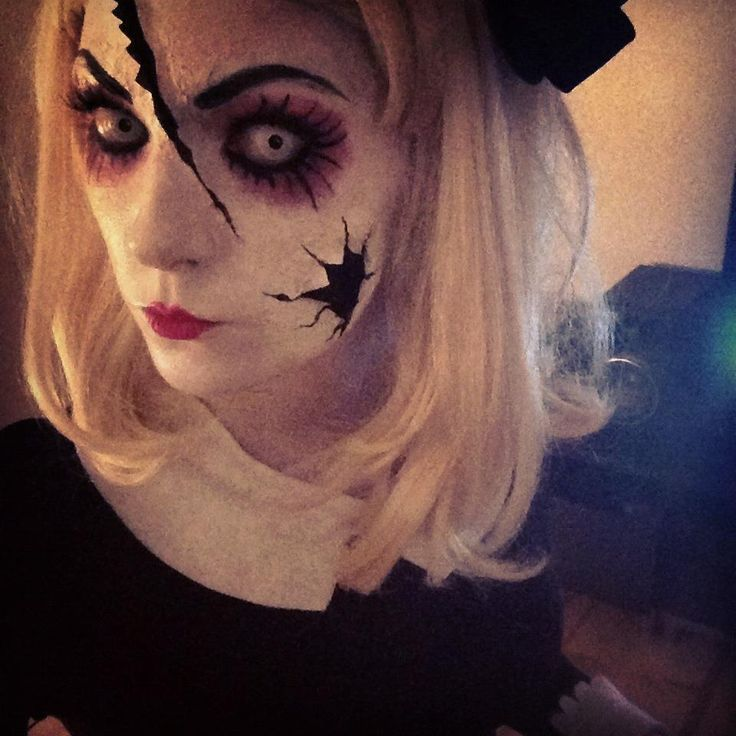 get a creepy look with halloween doll makeup