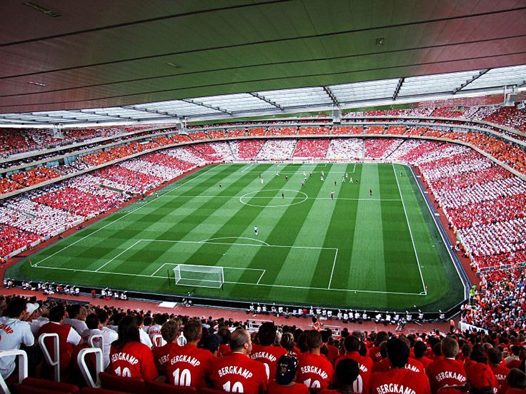 The first match at emirates stadium dennis bergkamp 39 s for Emirates stadium mural