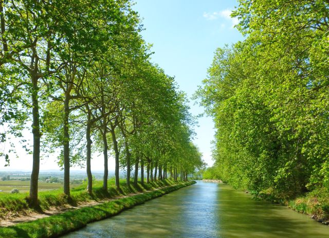 For anyone who loves a barge holiday, #France is home to one of the most beautiful destinations in the world, the #Canal du Midi.