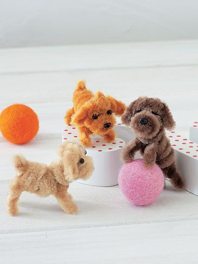 Adorable little dogs made with pipe cleaners! So cute!