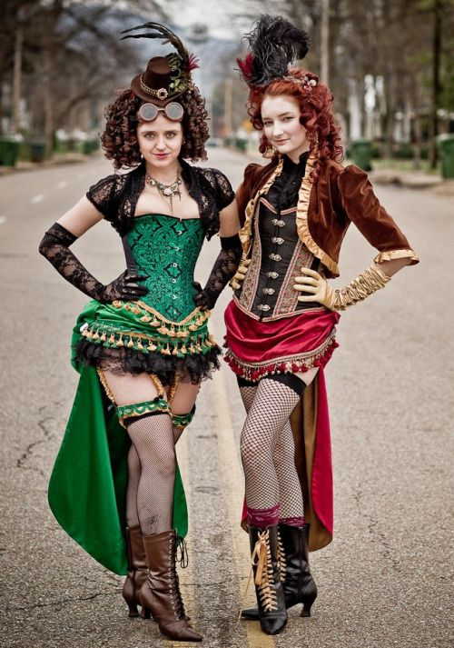 ilovegothgirls:  AND NOW the best steampunk outfits ever!   Costume by Red Dragon Designs