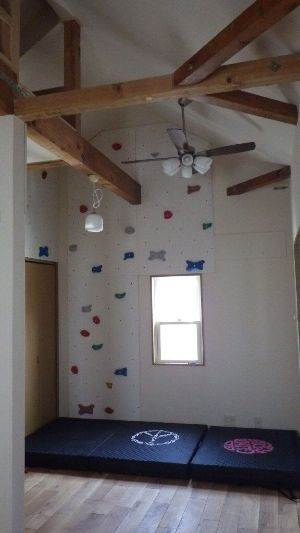 自宅の部屋にクライミングウォールを作ってみよう☆ Bouldering camp