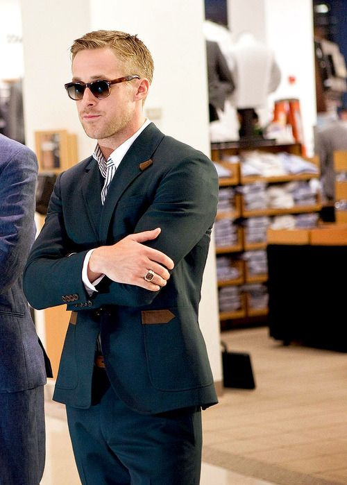 Gosling does it again. Great details on the jacket.