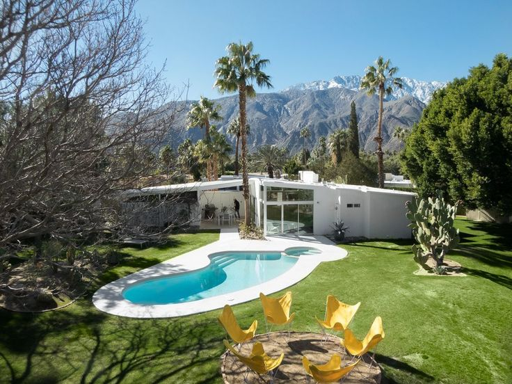 8 Midcentury-Modern Vacation Homes You Can Rent in Palm Springs - Dwell