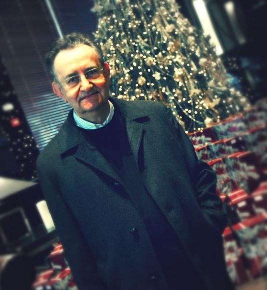 """""""Este año, a pesar de la crisis, la solidaridad de la gente hará que ningún niño se quede sin sus Reyes"""". El Padre Pedro nos visita..."""