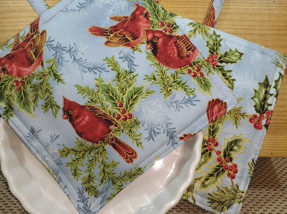Red Cardinals Holly Trivets - Christmas Hot Pads - Holiday Pot Holders - Christmas Party Hostess Gift - Cookware Accessories - Gift Set of 2