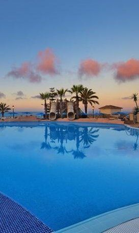 Costa Sel Sol, Marbella Travel and Vacations  Marriott's Marbella Beach Resort, Costa Del Sol  The top Hotels Resorts and Vacation options  Costa Del Sol, Malaga,  Marbella and Costa Blanca Spain.   Part of our Beach resorts in Spain / Europe Reviews.