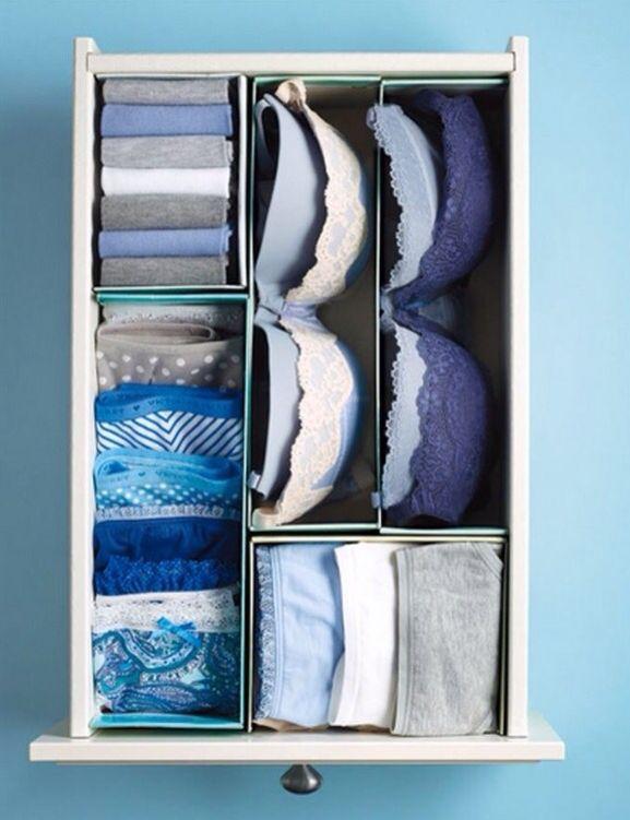 Recicla cajas pequeñas para hacer separadores y organizar tu ropa interior.