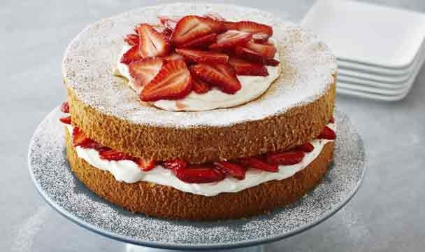 Strawberries and Cream Sponge Cake : Bake with Anna Olson : The Home Channel