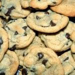 FODMAP Free chocolate-chip-cookies!  Super Delicious!!  http://fodmapliving.com/sample-page/desserts-and-pastries/fodmap-free-chocolate-chip-cookies/