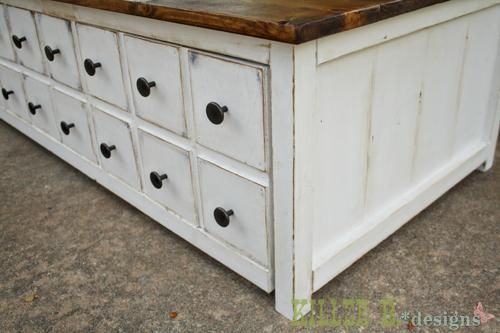 Learn how to achieve the Coffee Stain Antique White look thanks to Brooke at Killer B. Designs and @knockoffwood http://www.rustoleum.com/product-catalog/consumer-brands/wood-care/ultimate-wood-stain/