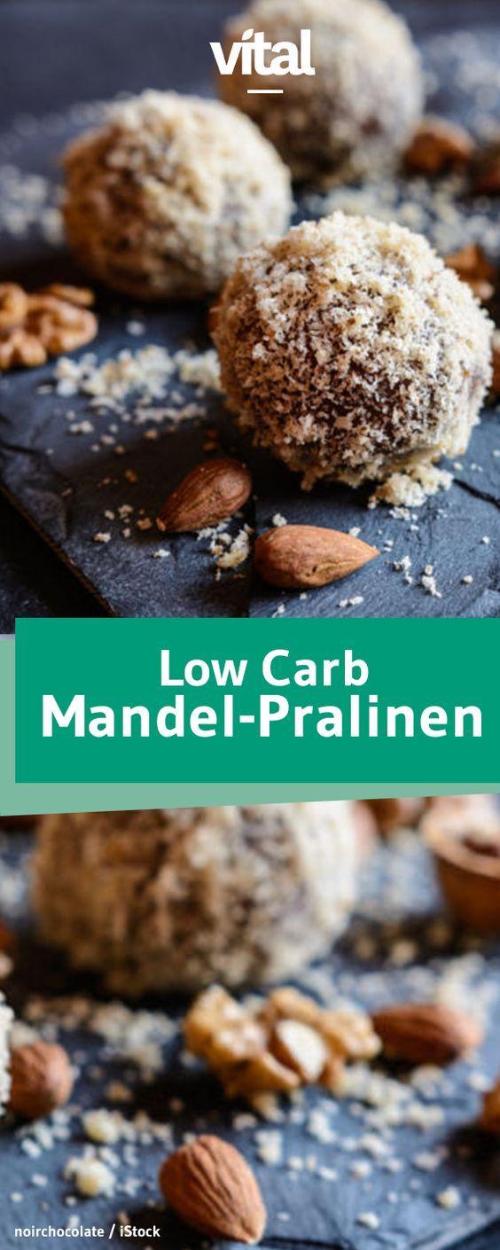 Mandelmehl, Agavendicksaft und Mandelmus - mehr braucht ihr nicht, um diese köstlichen Low Carb Pralinen herzustellen. Wir verraten, wie es geht.