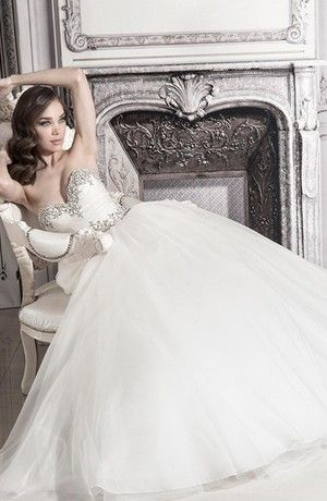 Sweetheart Princess/Ball Gown Wedding Dress  with Empire Waist in Tulle. Bridal Gown Style Number:32848194