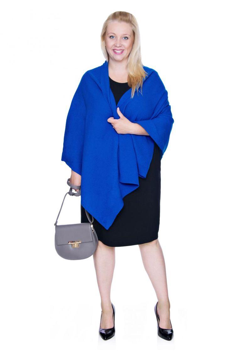 Niebieski wełniany szal-ponczo - Modne Duże Rozmiary