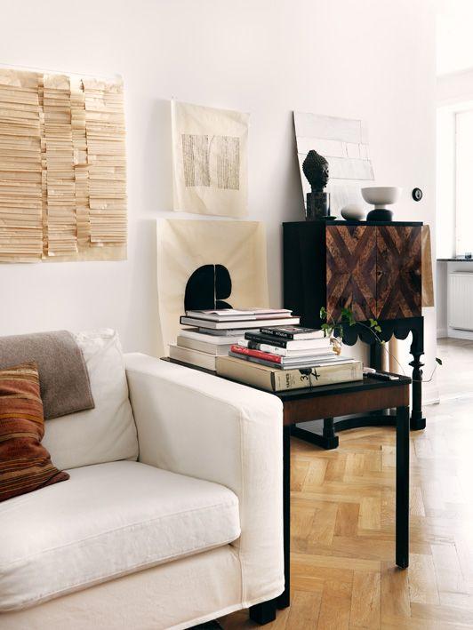 Style and Create - livingroom of Åsa Stenerhag, designer at Filippa K Woman, in Stockholm, Sweden | Photo by Jonas Ingerstedt for Elle Decoration
