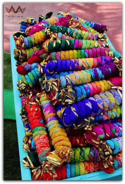 Mehendi giveaways, dupatta with tye dye, dupatta favors, dupatta gifting, colorful mehendi gifts