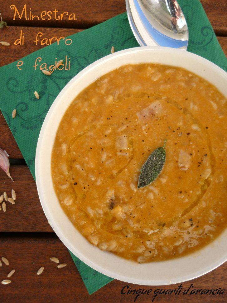 La minestra di farro e fagioli è un comfort food veramente perfetto per l'autunno che, almeno dalle mie parti, è arrivato!! Io adoro zuppe, minestre, creme