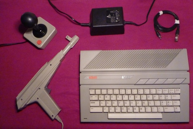 Unico Computadora Atari 65xe En Caja + Joystick + Pistola