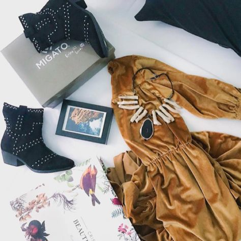 Match your velvet dress with #MIGATO KF038 black western booties!  Shop link  ► bit.ly/KF038-L14en Photo via Trends Control