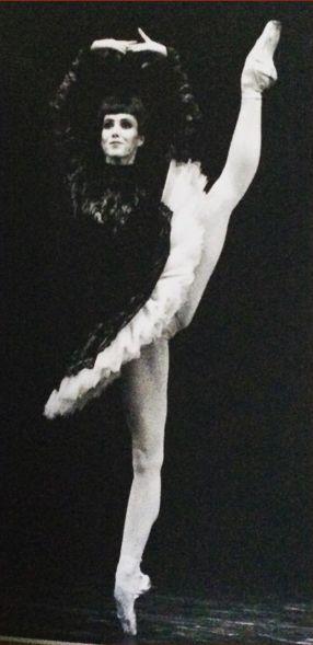 Sylvie Guillem in Grand pas Classique