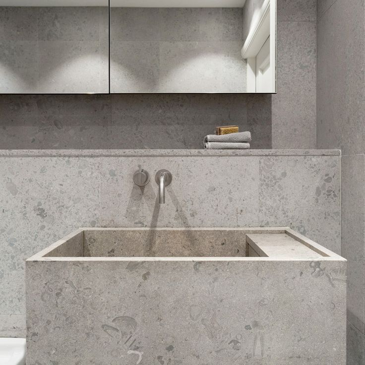 Gold and Grey Apartment / Richard Lindvall