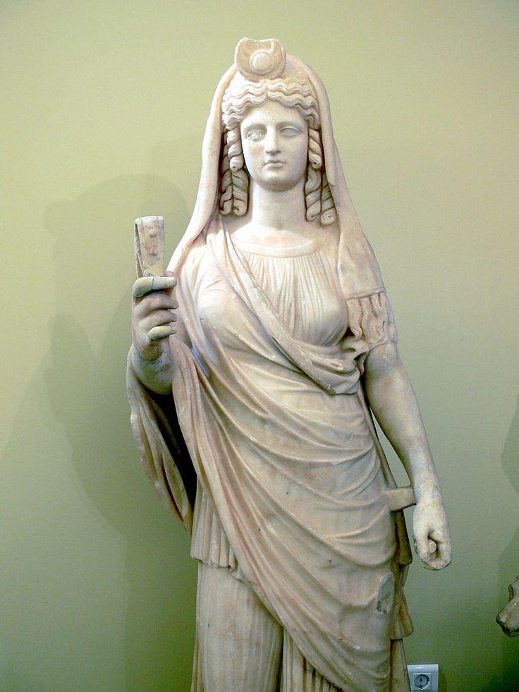 Isis-Persephone (Proserpina), Egyptian-Roman statue, 2nd century AD, (Archeological Museum, Heraklion).