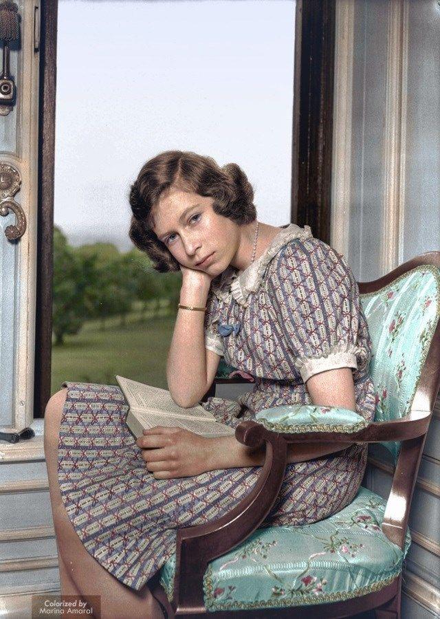 8.Rainha Elizabeth II, que recentemente completou 90 anos, em foto de…