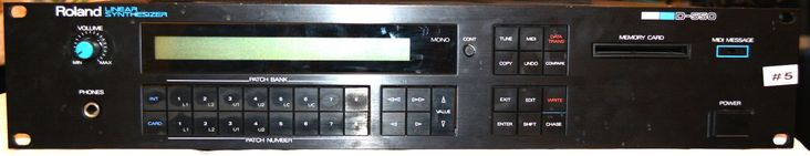 Roland D-550 Linear Synthesizer (NOT WORKING)