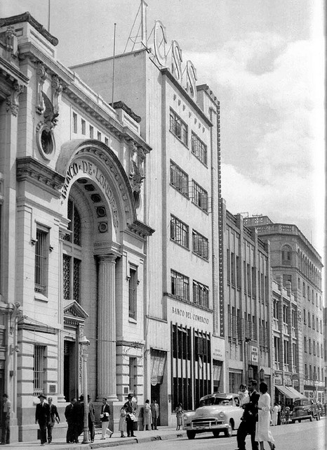 Medellin. Banco de Londres. Parque de Berrio