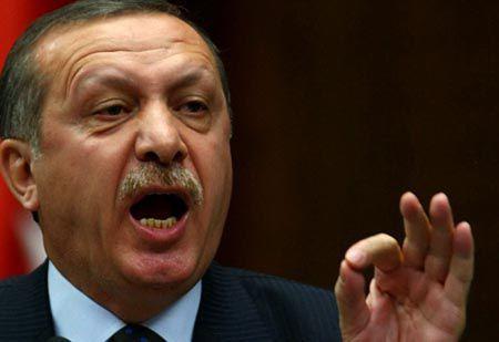 Turchia, Erdogan finge di bombardare l'Isis per sterminare i Curdi | GaiaItalia.com
