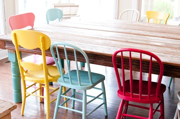 mismatch vintage chairs in different colors // this is what I want to do for our kitchen