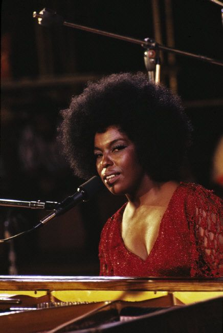 thesoulfunkybrother:  -Killing me softly. Roberta Flack.