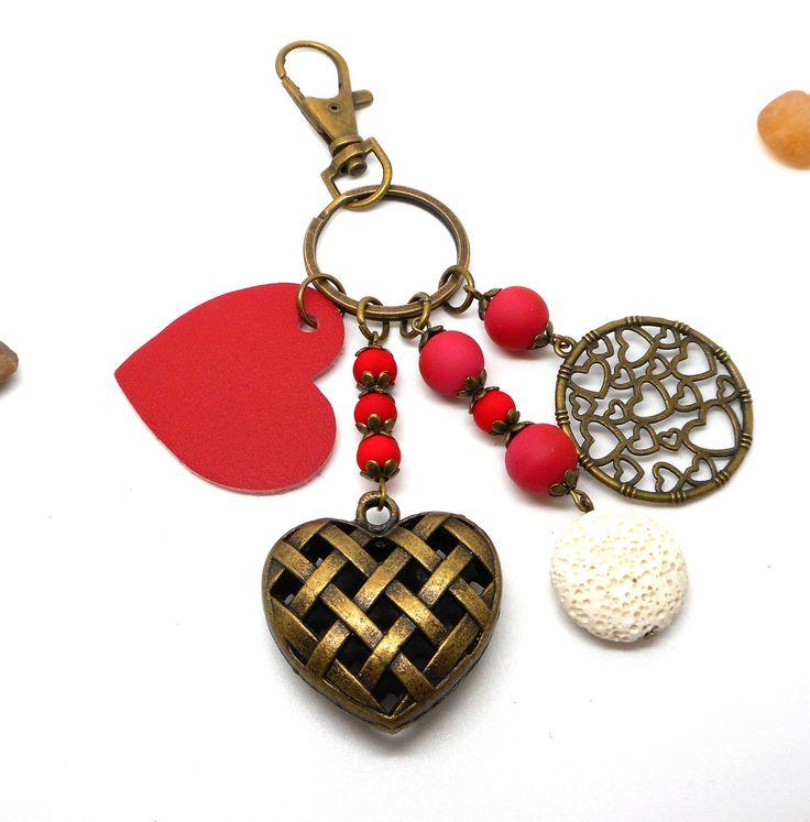 A parfumer!!! bijou de sac bronze,coeurs et perles rouges : Porte clés par breloques-et-cie