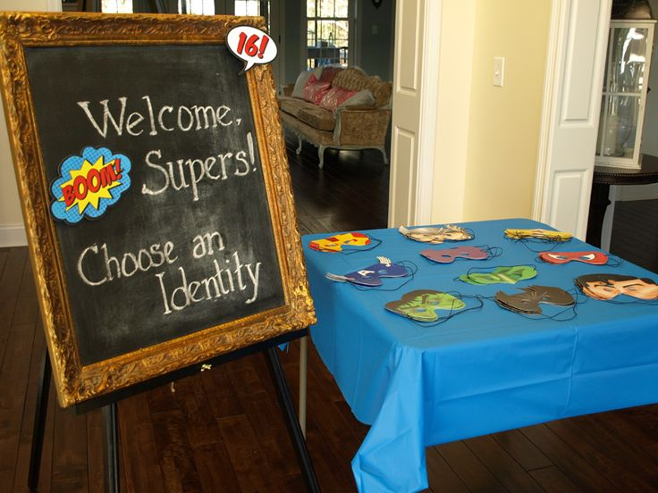17 Best images about Superhero birthday on Pinterest  Superhero birthday inv -> Tuto Table Lego