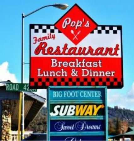 Pop's Family Restaurant near Yosemity. Very American!