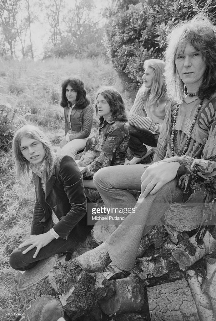 English progressive rock group Yes, UK, 19th September 1974. Left to right: guitarist Steve Howe, keyboard player Patrick Moraz, singer Jon Anderson, drummer Alan White and bassist Chris Squire.
