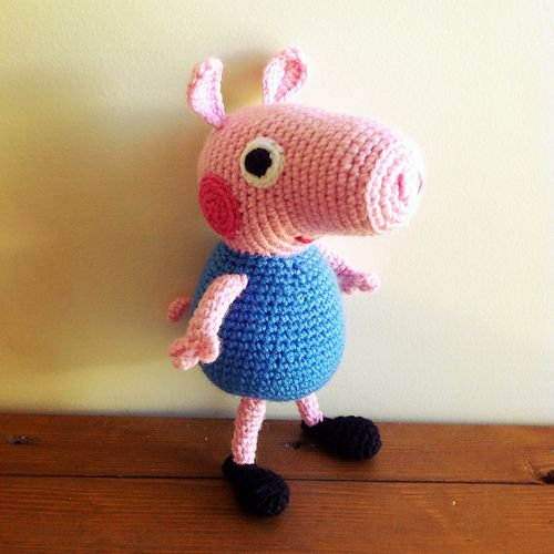 Instruction to make a funny Peppa Pig doll, loved by children.